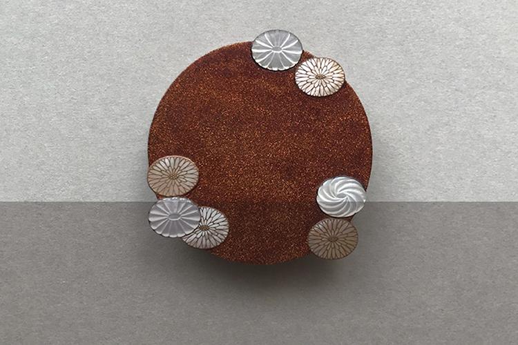 漆の新しい解釈に世界が注目 ジュエリーアーティスト山岸紗綾の世界観 – Klimt02