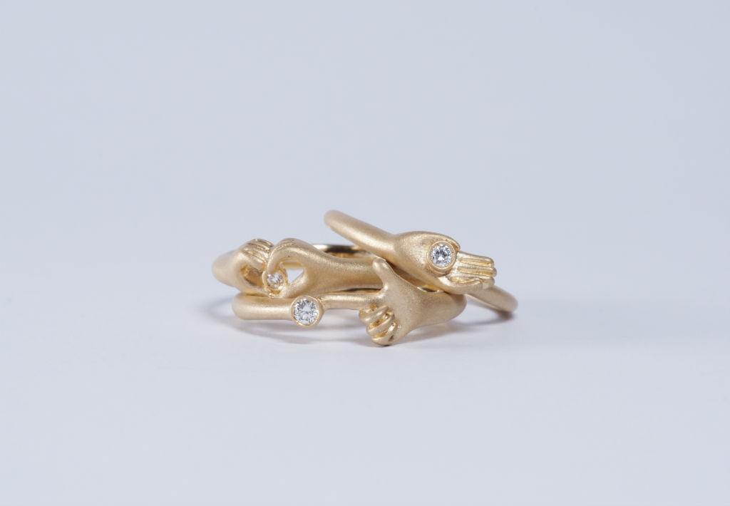 手のリング