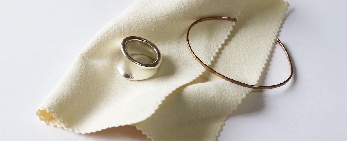【連載】basic knowledge of Jewelry 特別編 – ジュエリーのお手入れについて